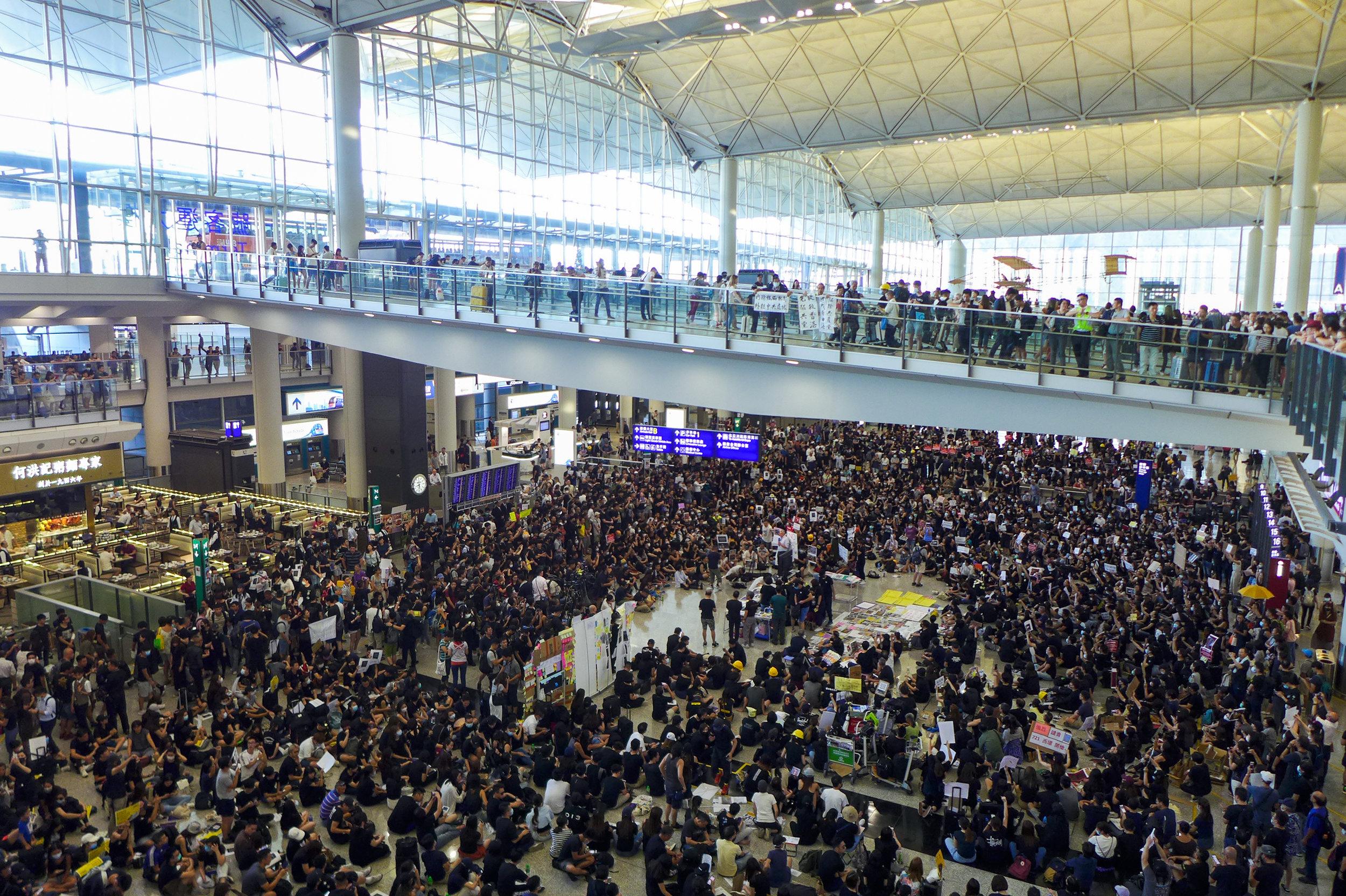 HK_airport_sit-in_protest_20190726.jpg