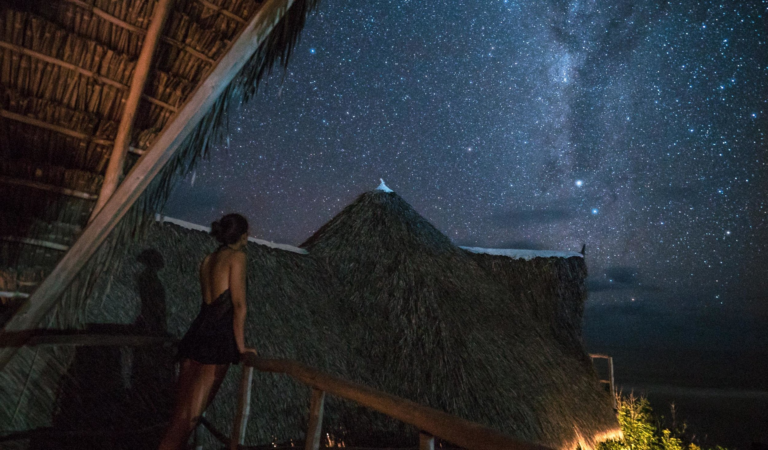 The electricity here is difficult, so during the day the resort works with solar power and during the night you have the stars