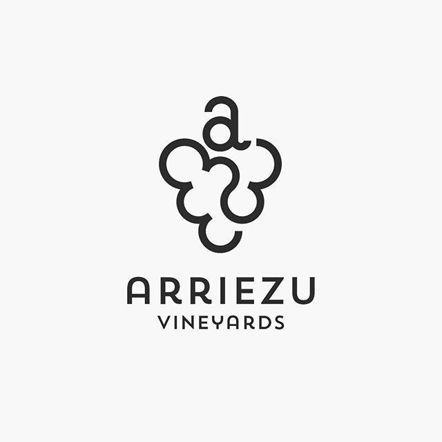 Logos: Arriezu Vineyards, 2015.