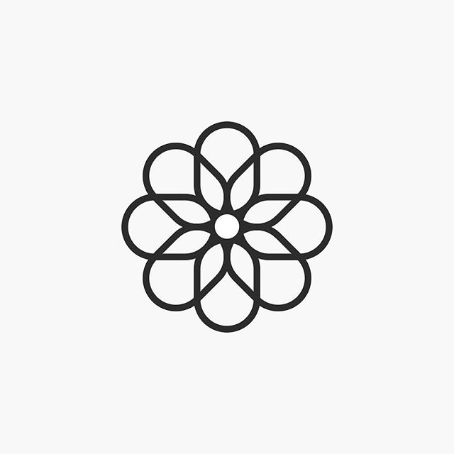Logos: La Zarzamora Fotografía, 2018. @lazarzamorafotografia
