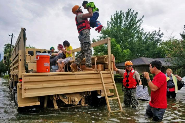 28-Hurricane-Harvey-help.w710.h473.jpg