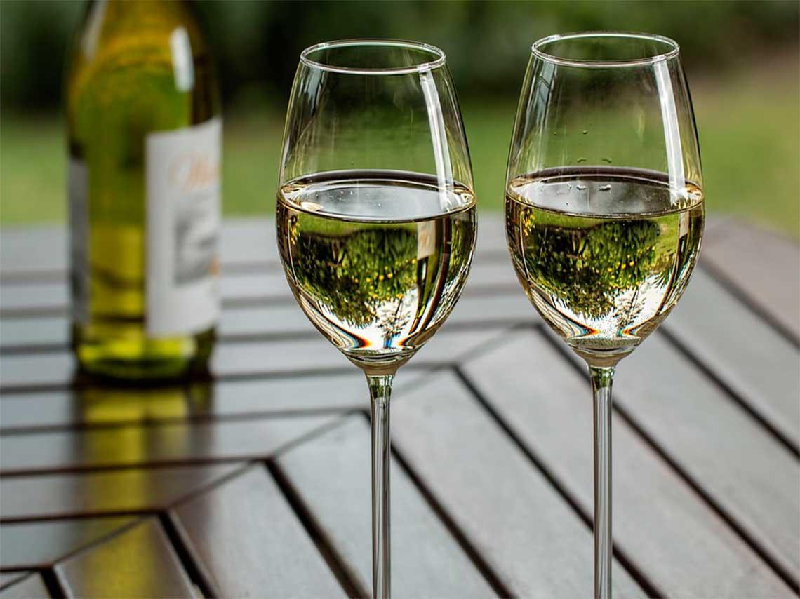 wine-market-llego-el-outlet-mas-grande-de-vino-en-mexico-vino-blanco.jpg