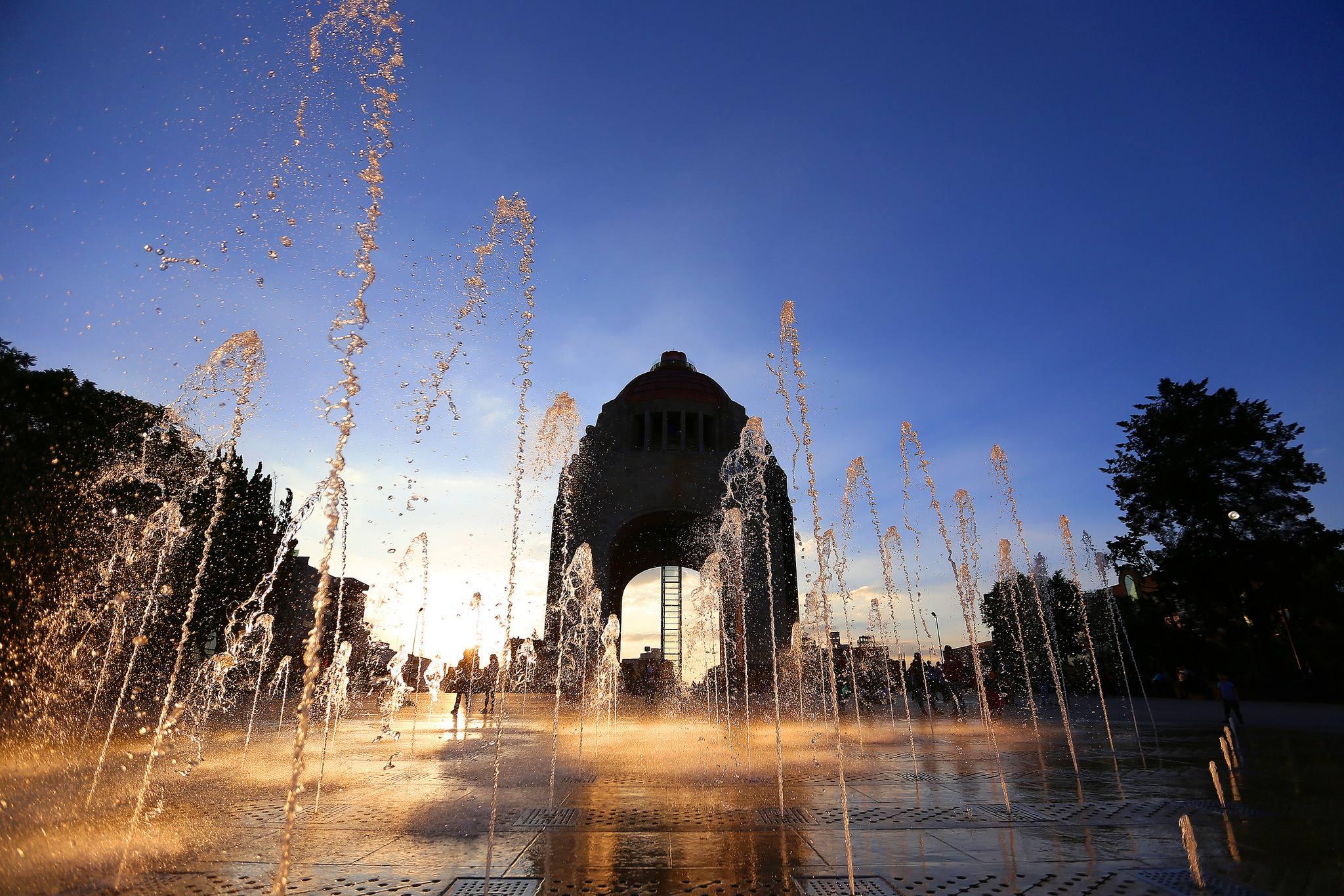monumento revolución 1.jpg
