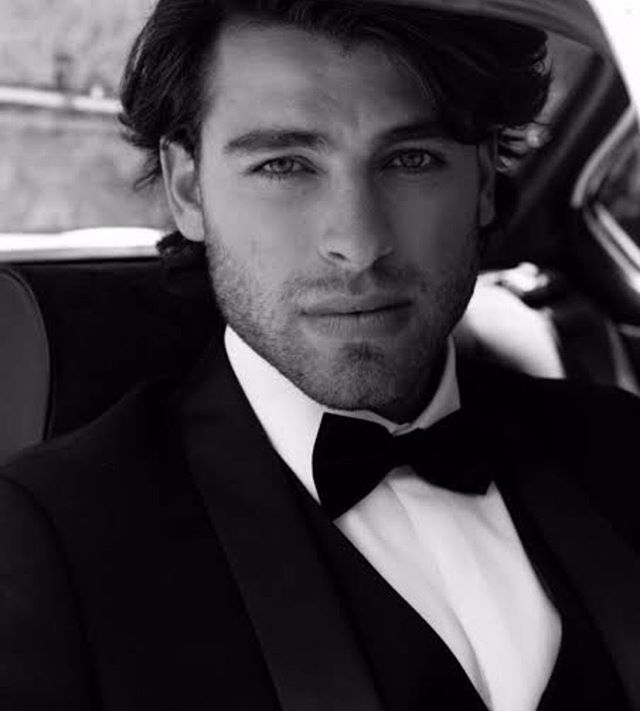 A black bowtie is a wardrobe staple for all gentlemen #houndaccessories  #bowtie #blacktie #menwithstyle