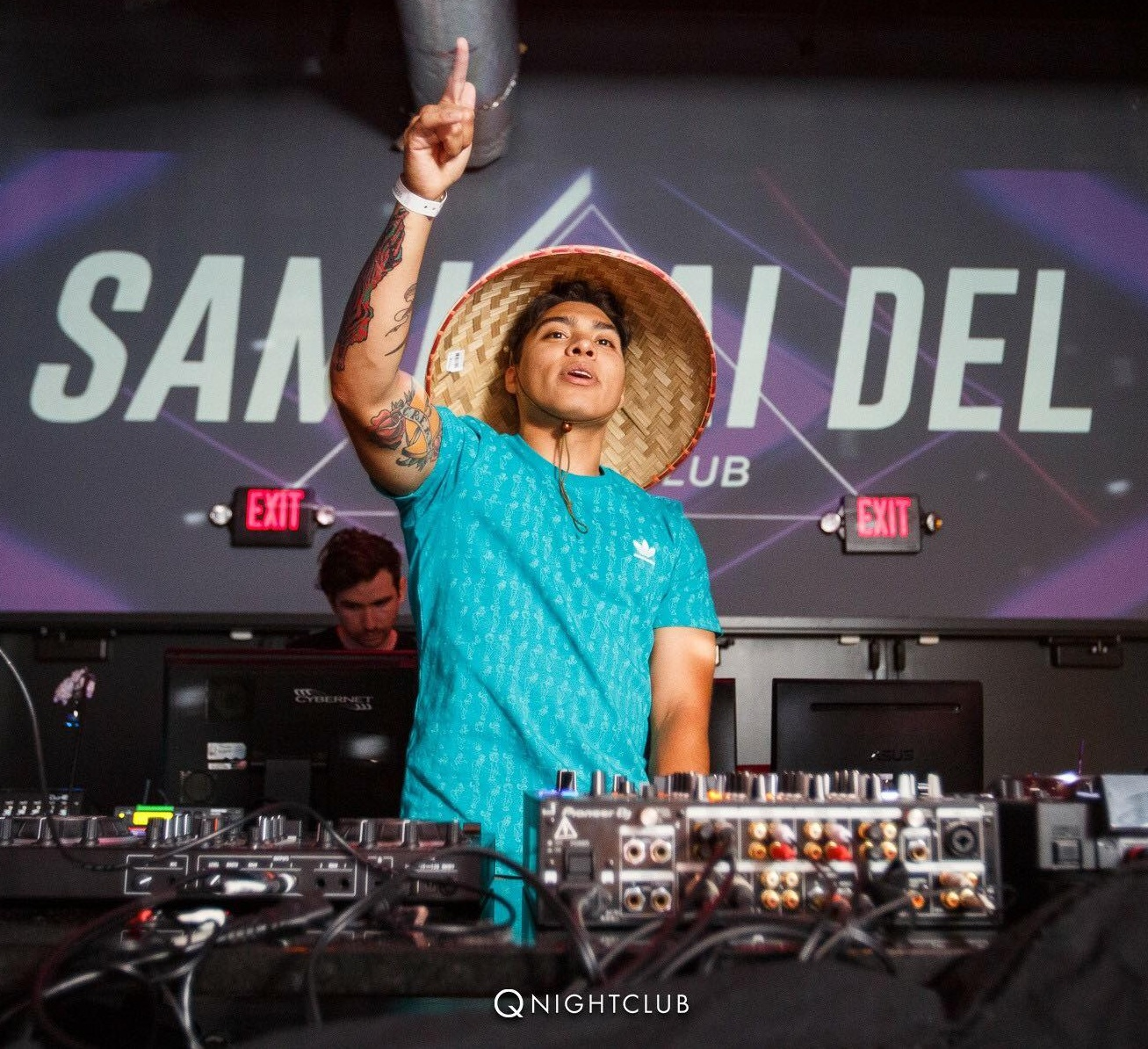 Samurai Del performing at Q Nightclub. Photo by Jason Woo.