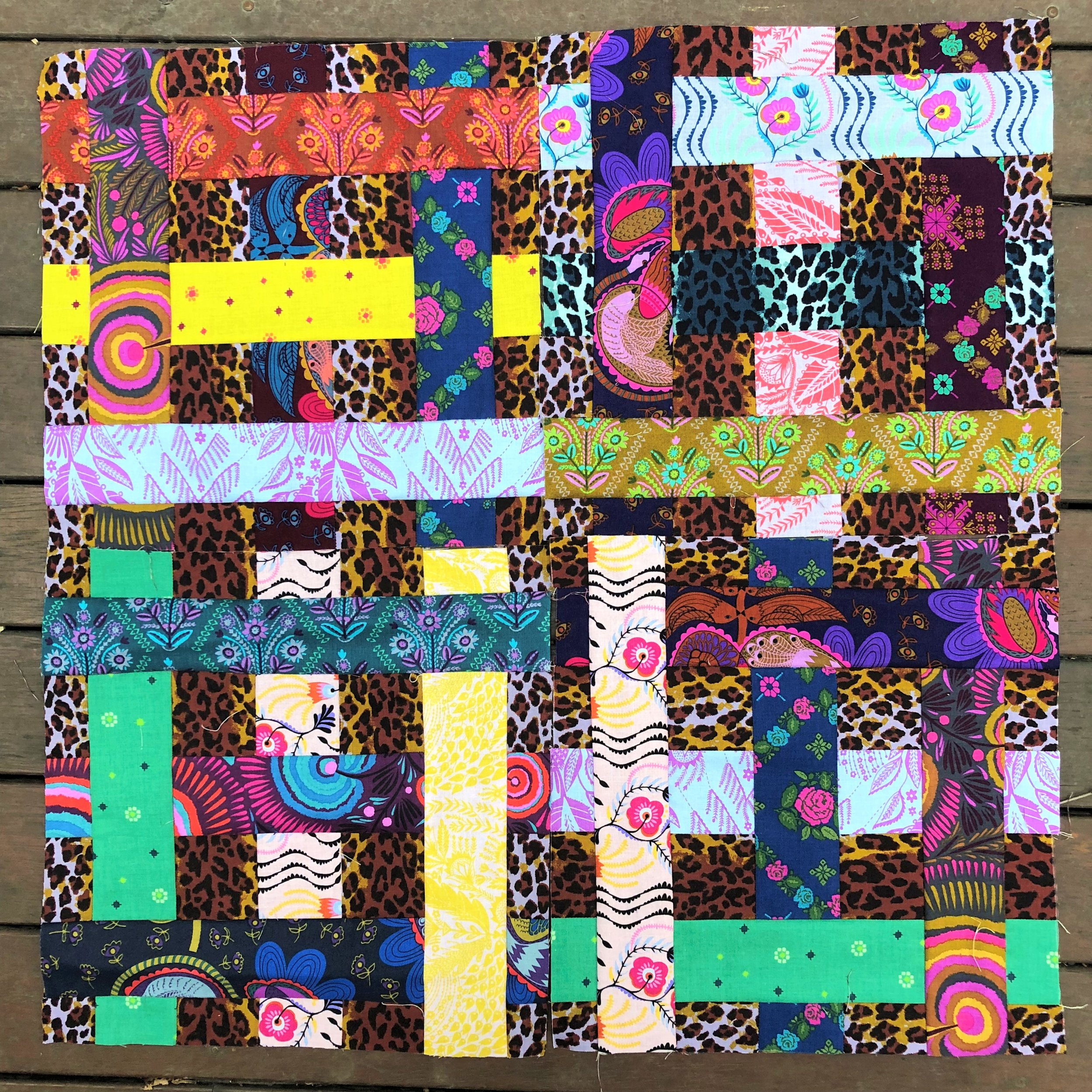 CLICK ON THE IMAGE TO FIND THE FREE SIMPLY WOVEN QUILT PATTERN