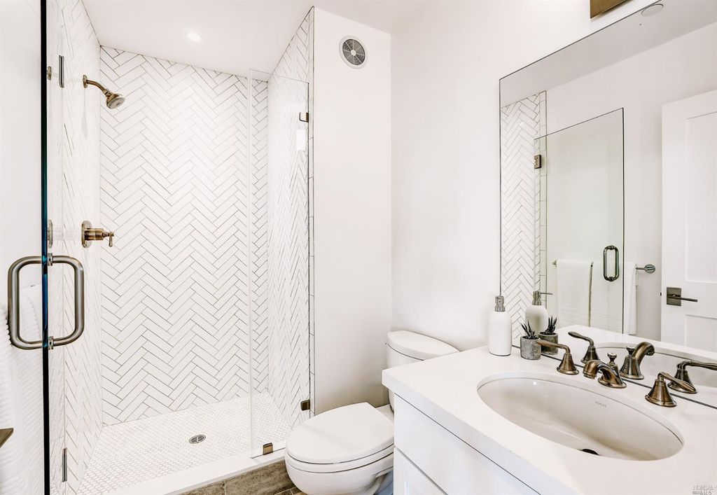 14MPC_Bath.jpg
