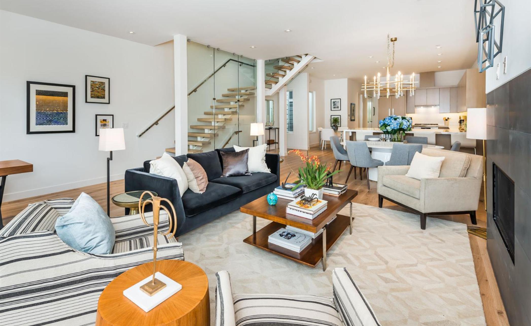 1580 Fulton Street - Living Room
