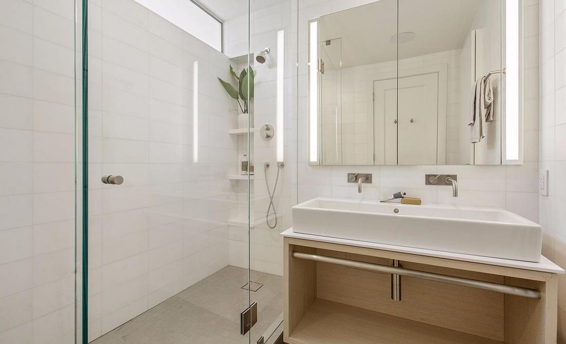 1338 Filbert Street - bathroom