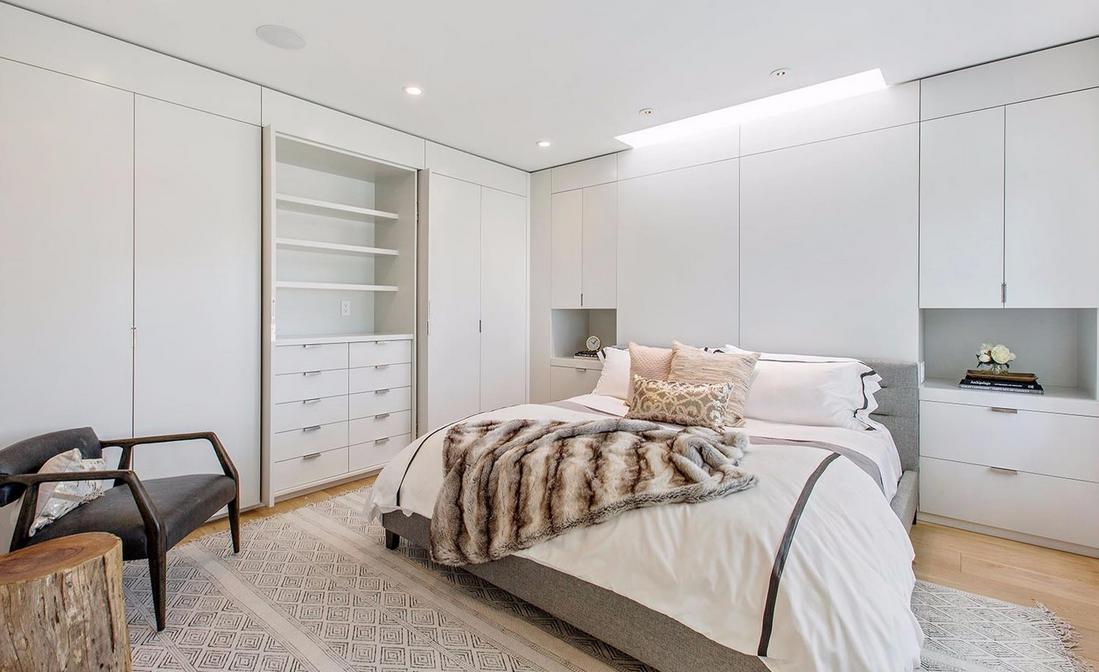 1338 Filbert Street - bedroom