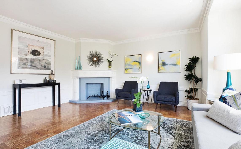 1656 Beach - living room