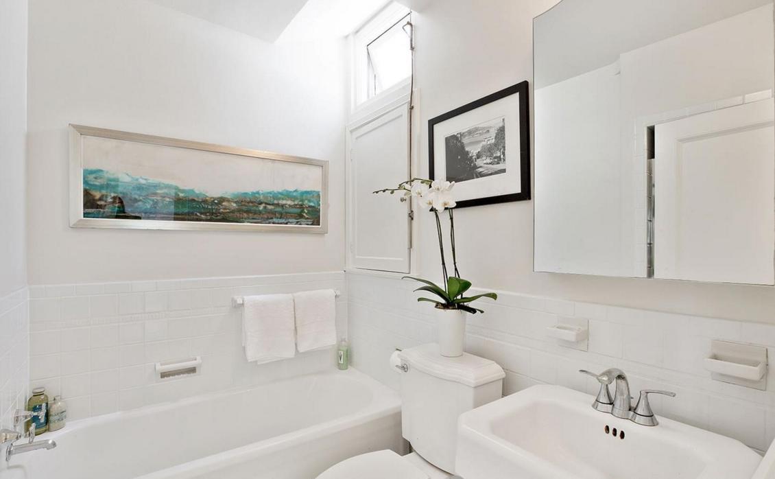 1656 Beach - bathroom