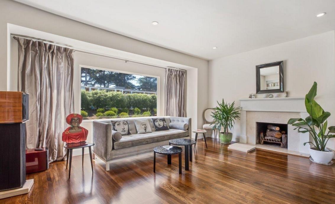 140 32nd Avenue - living room