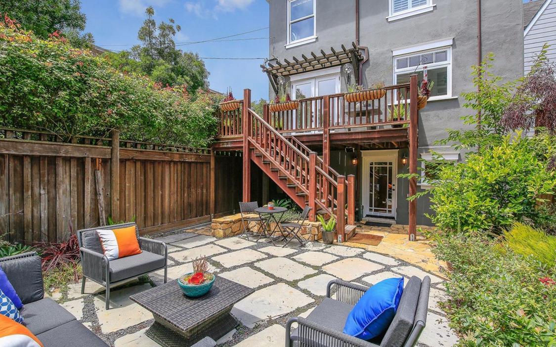 2153 Lake Street - backyard