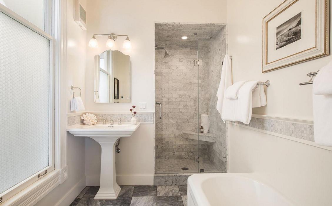 2169 Green Street #2 - bathroom