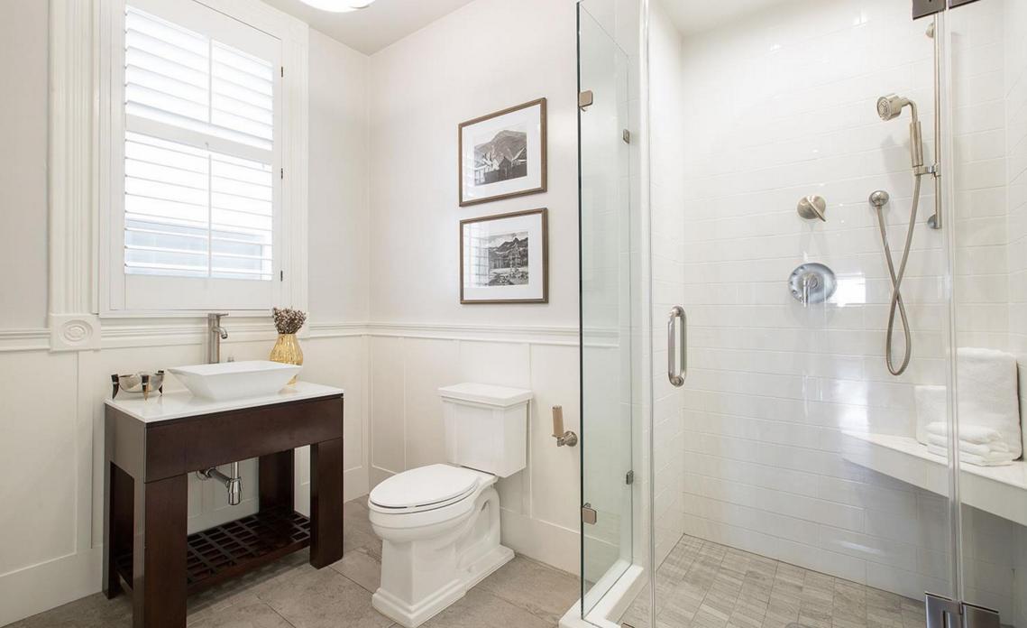 2169 Green Street #2 - bathroom 2