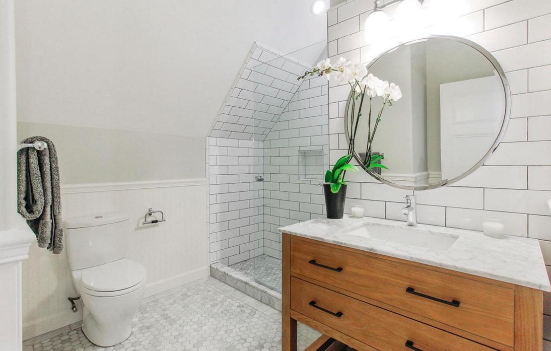 617 Broderick Street - bathroom