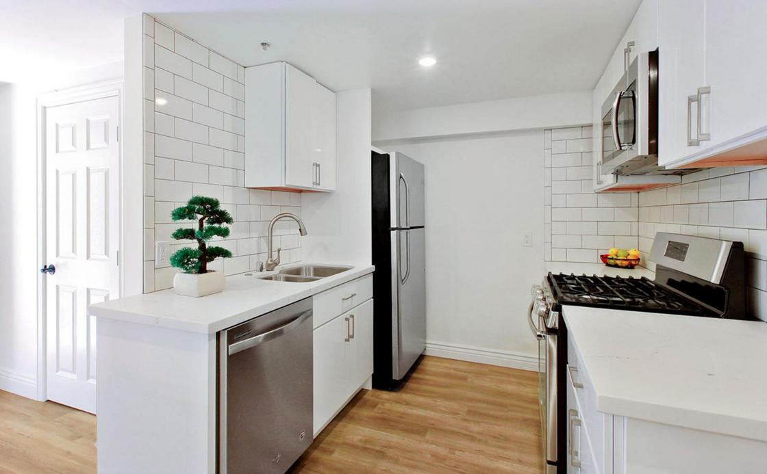 617 B.5 Broderick Street - kitchen