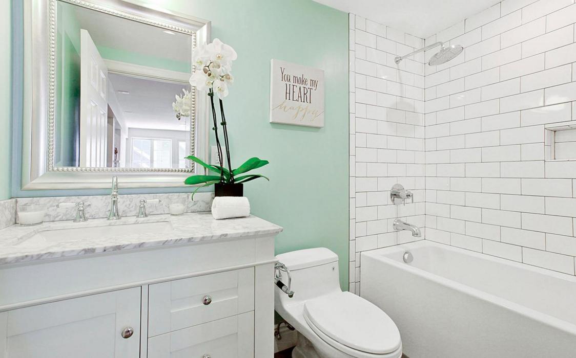 617 B.5 Broderick Street - bathroom