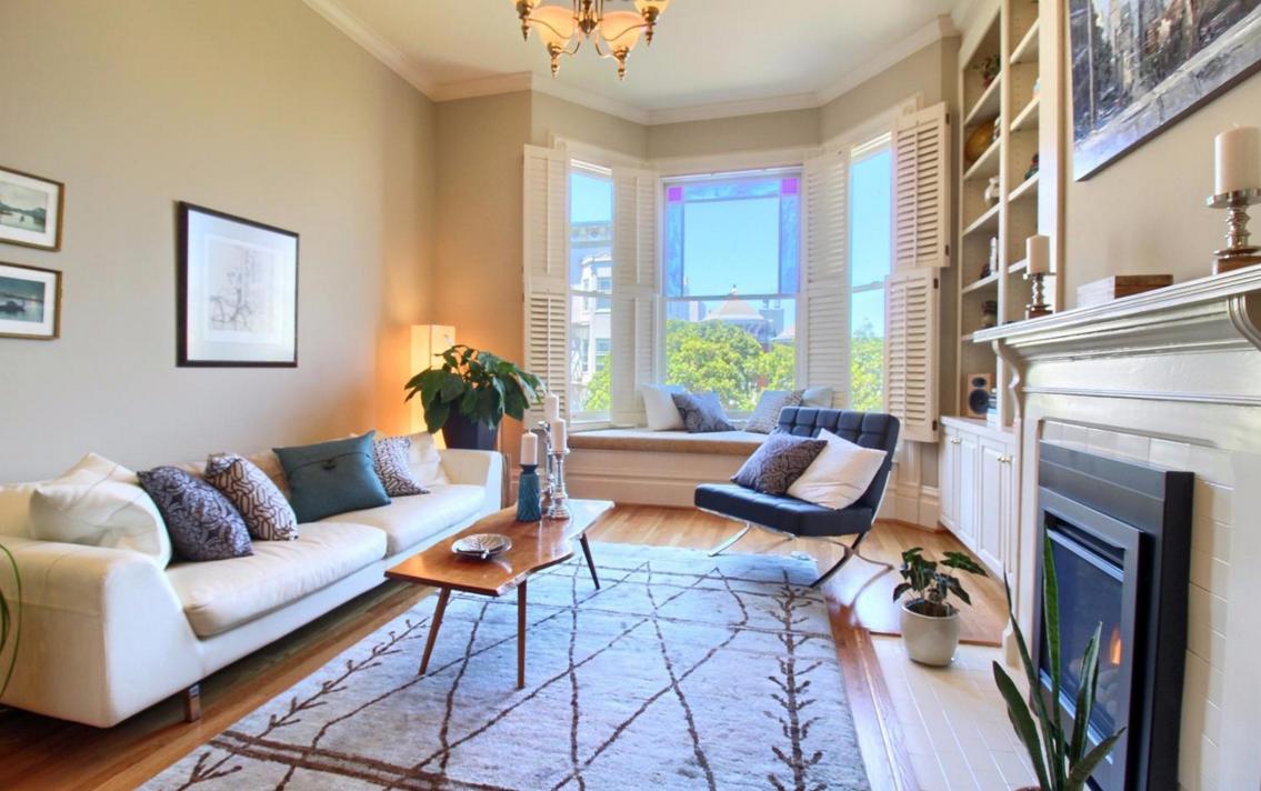 1423 Golden Gate Avenue - living room