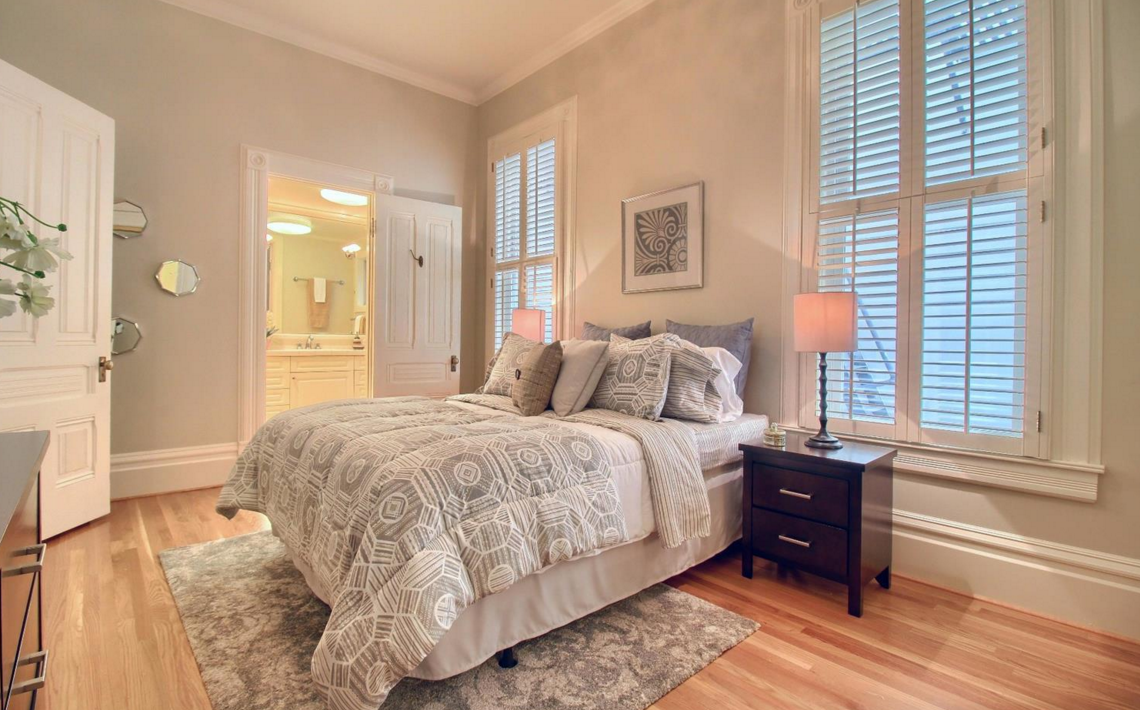 1423 Golden Gate Avenue - bedroom suite
