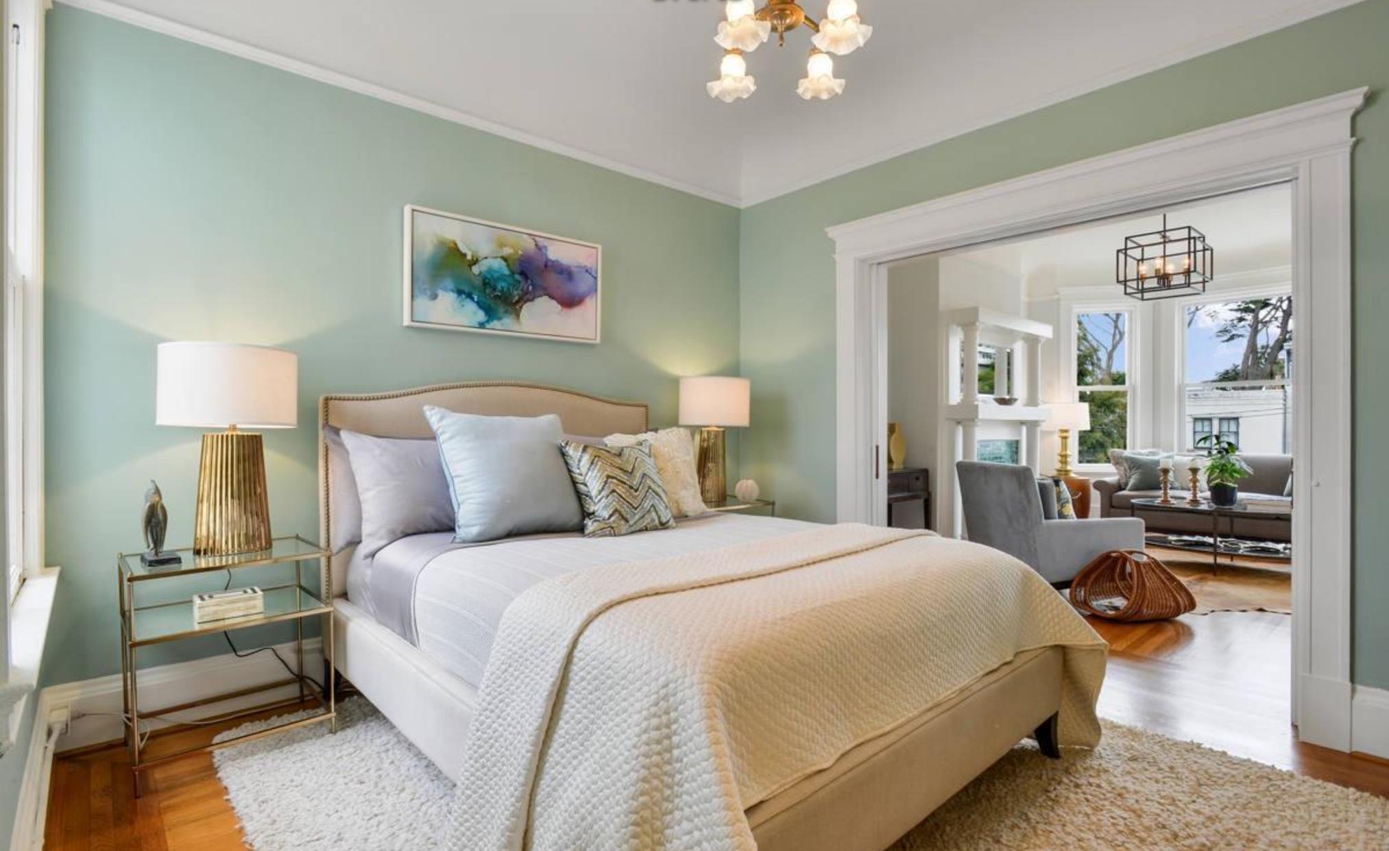856 Baker Street - Bedroom