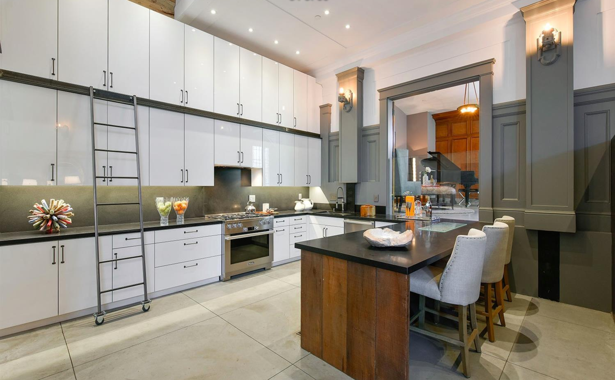 651 Dolores Street - Kitchen