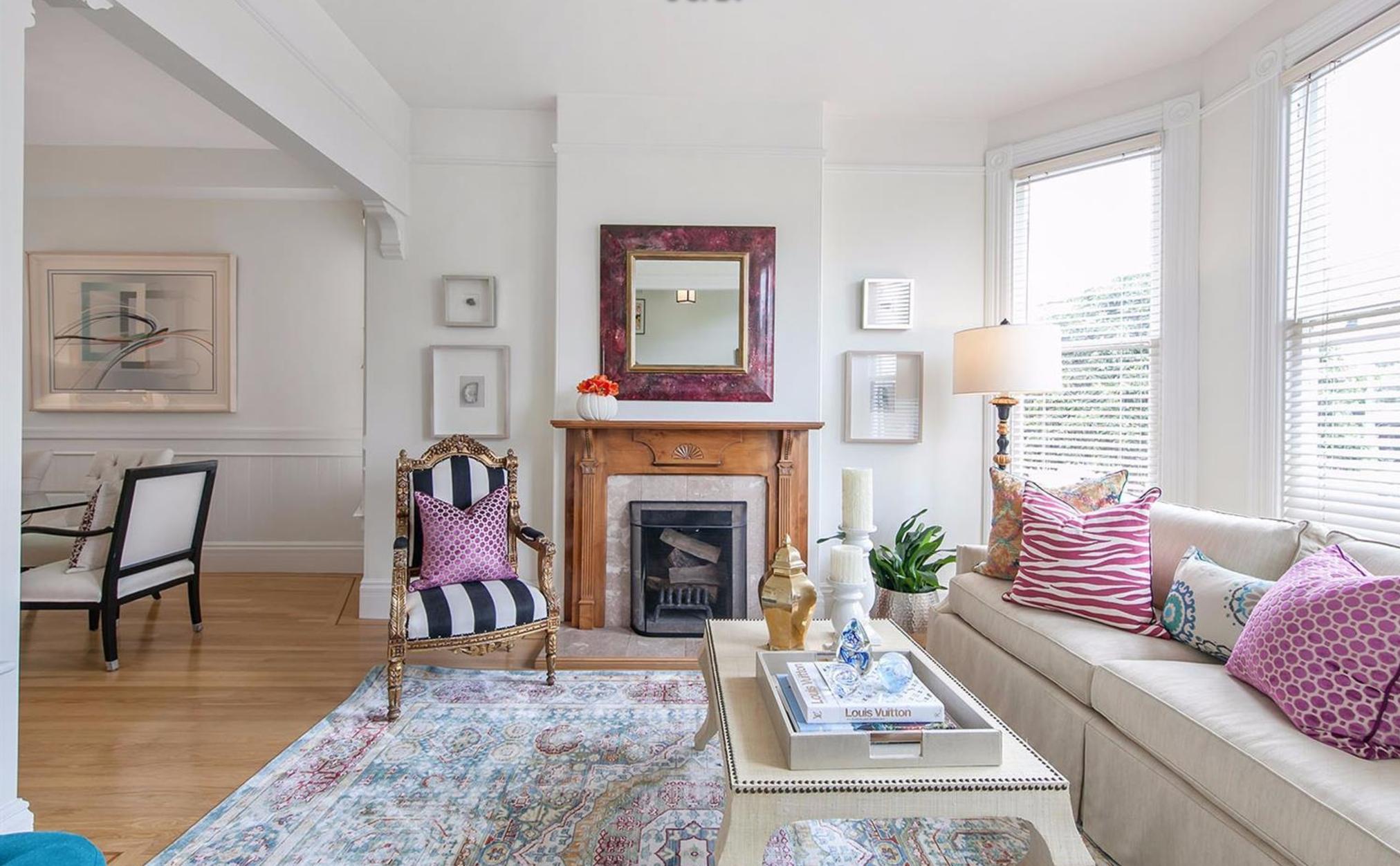405 Laurel Street - Living Room