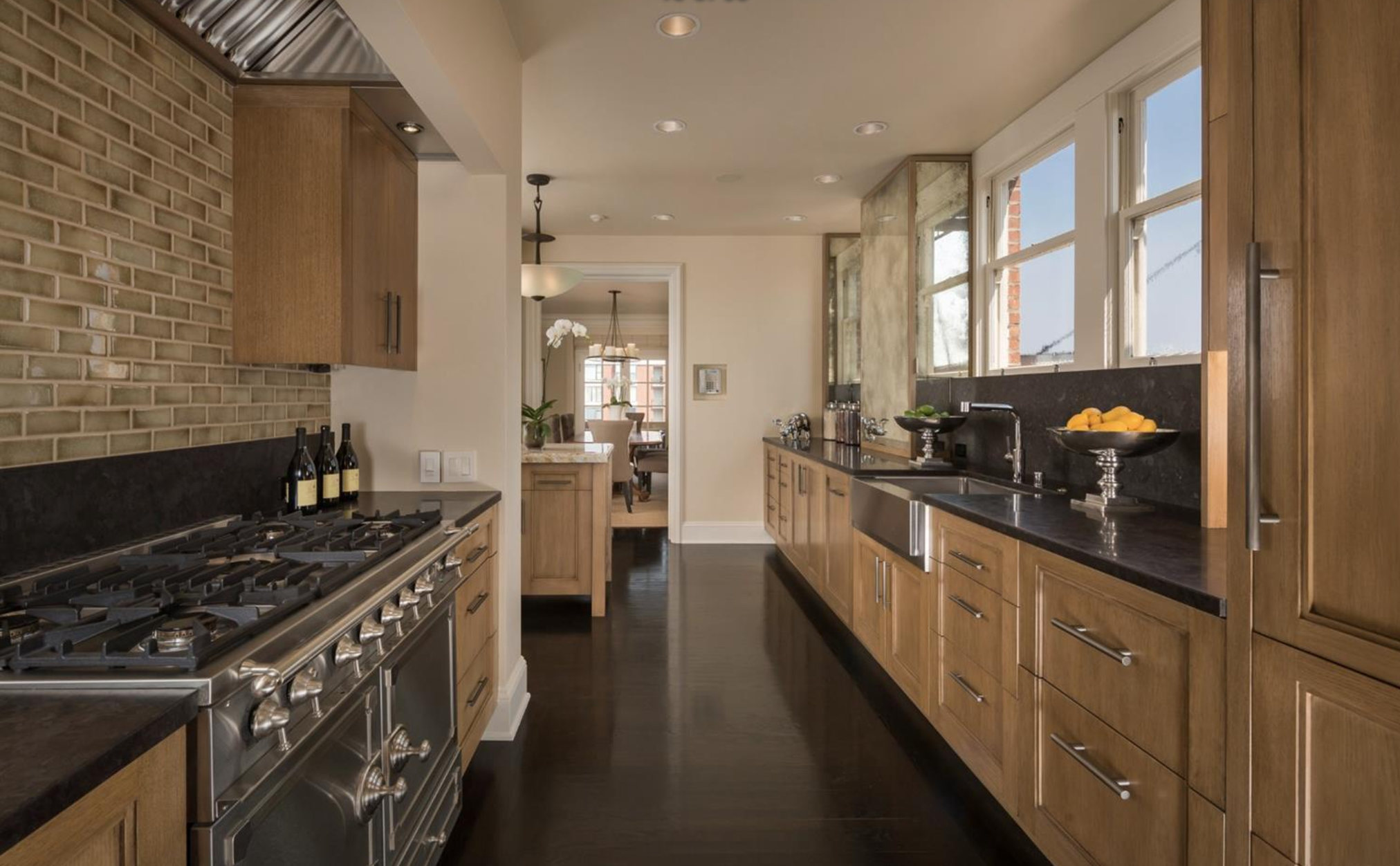 2298 Pacific Ave - Kitchen