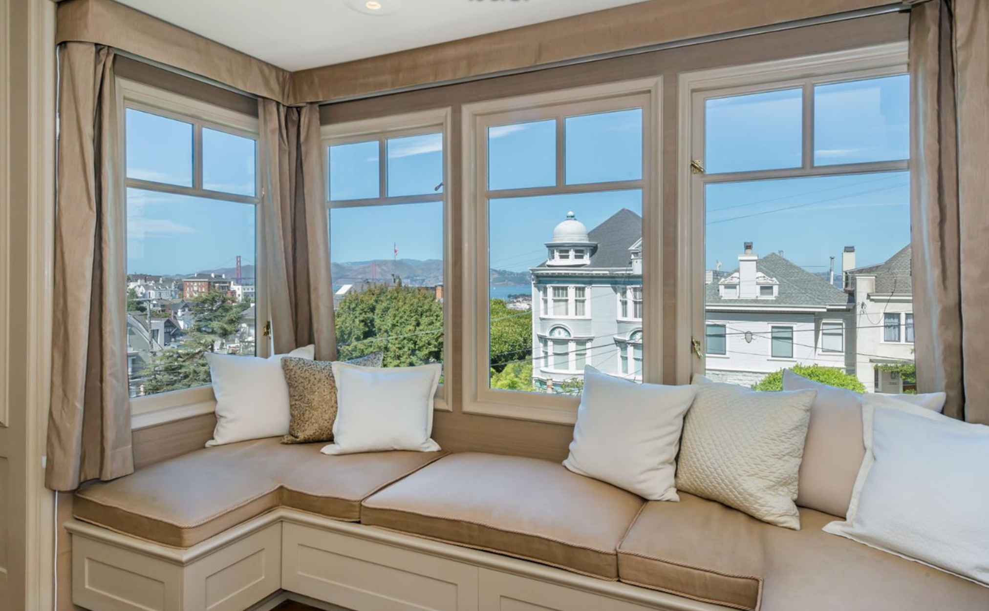 2361 Broadway St - Bay Window Views