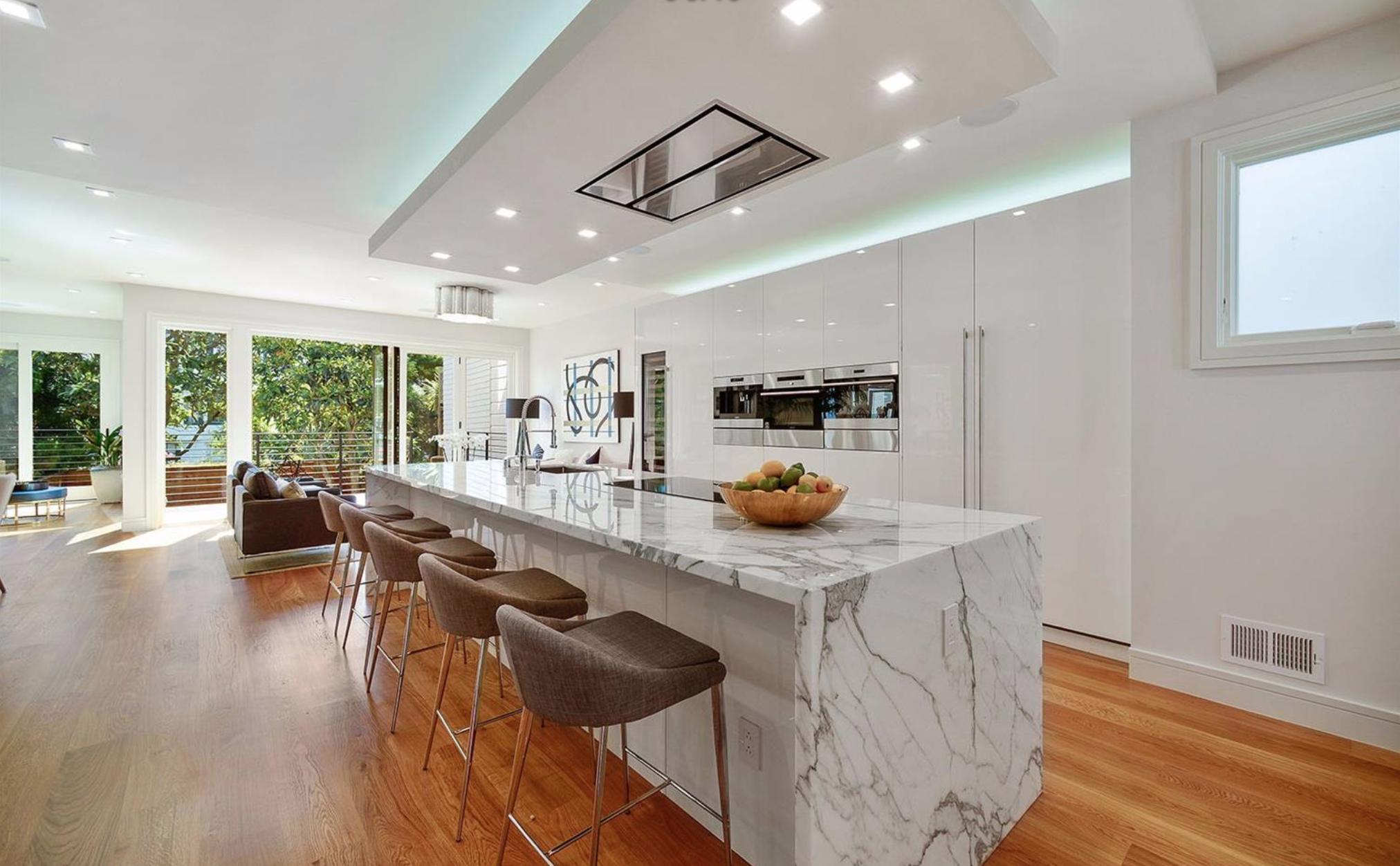 138-140 8th Avenue - Kitchen