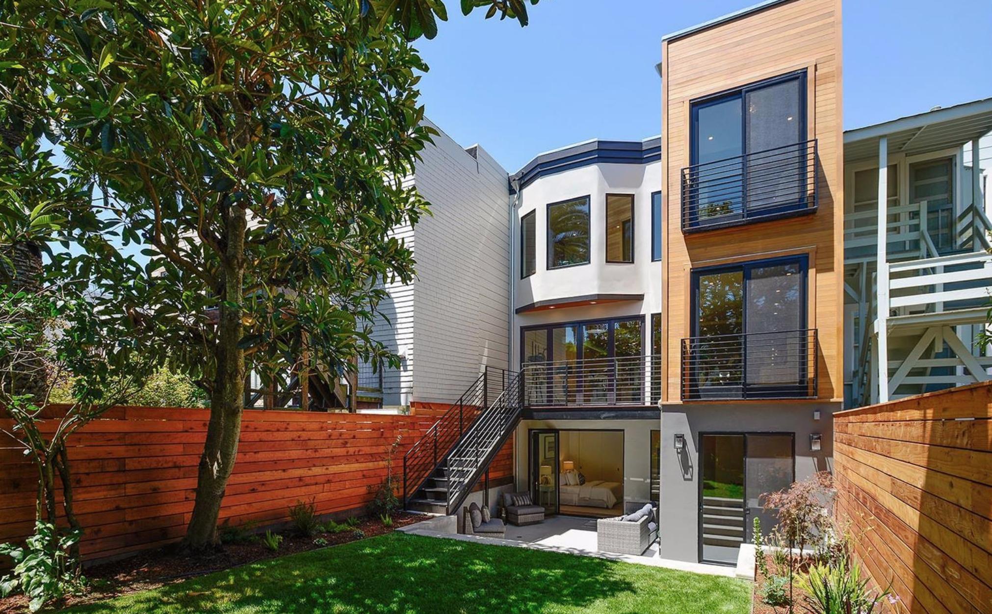 138-140 8th Avenue - Backyard