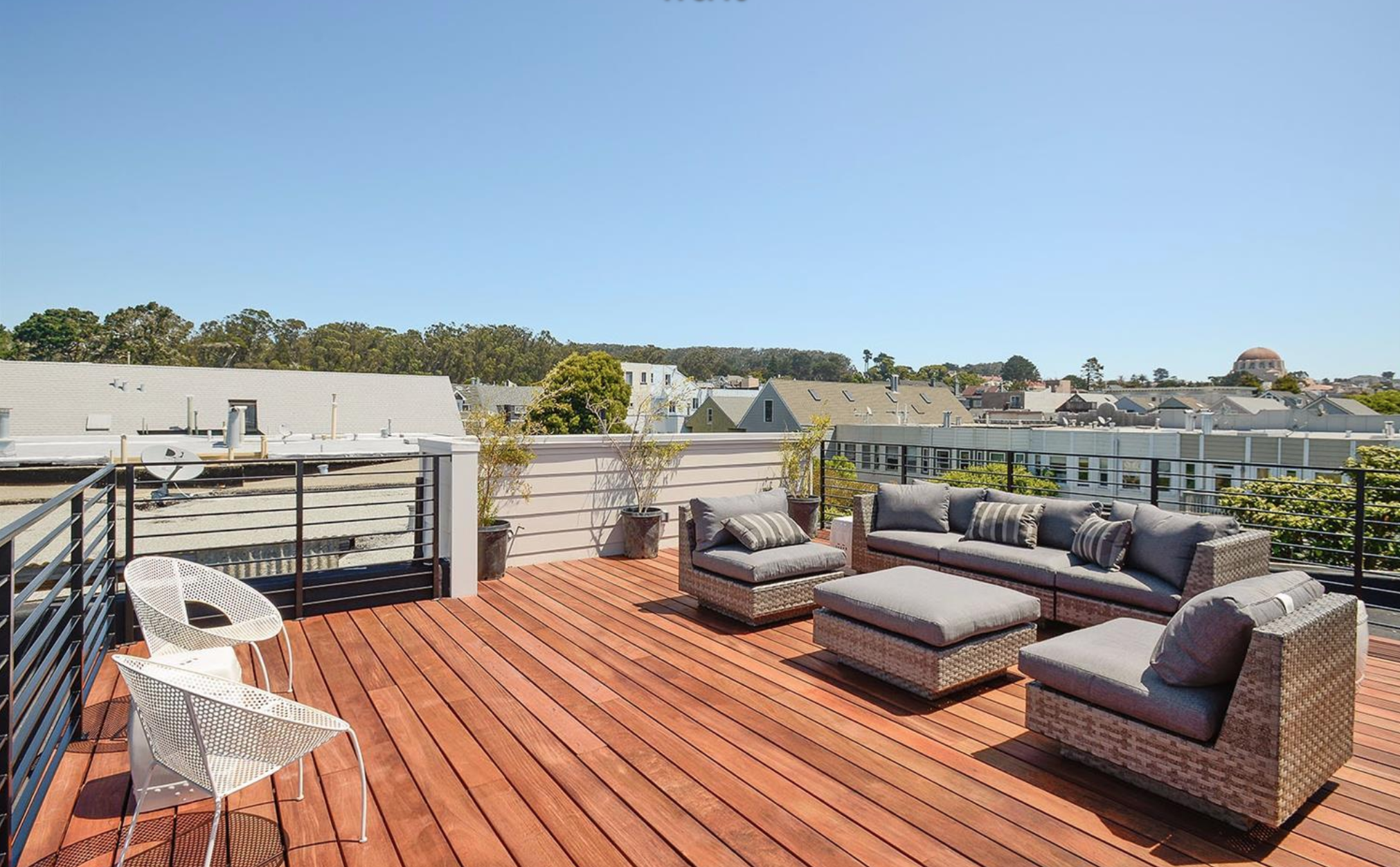 138-140 8th Avenue - Rooftop deck