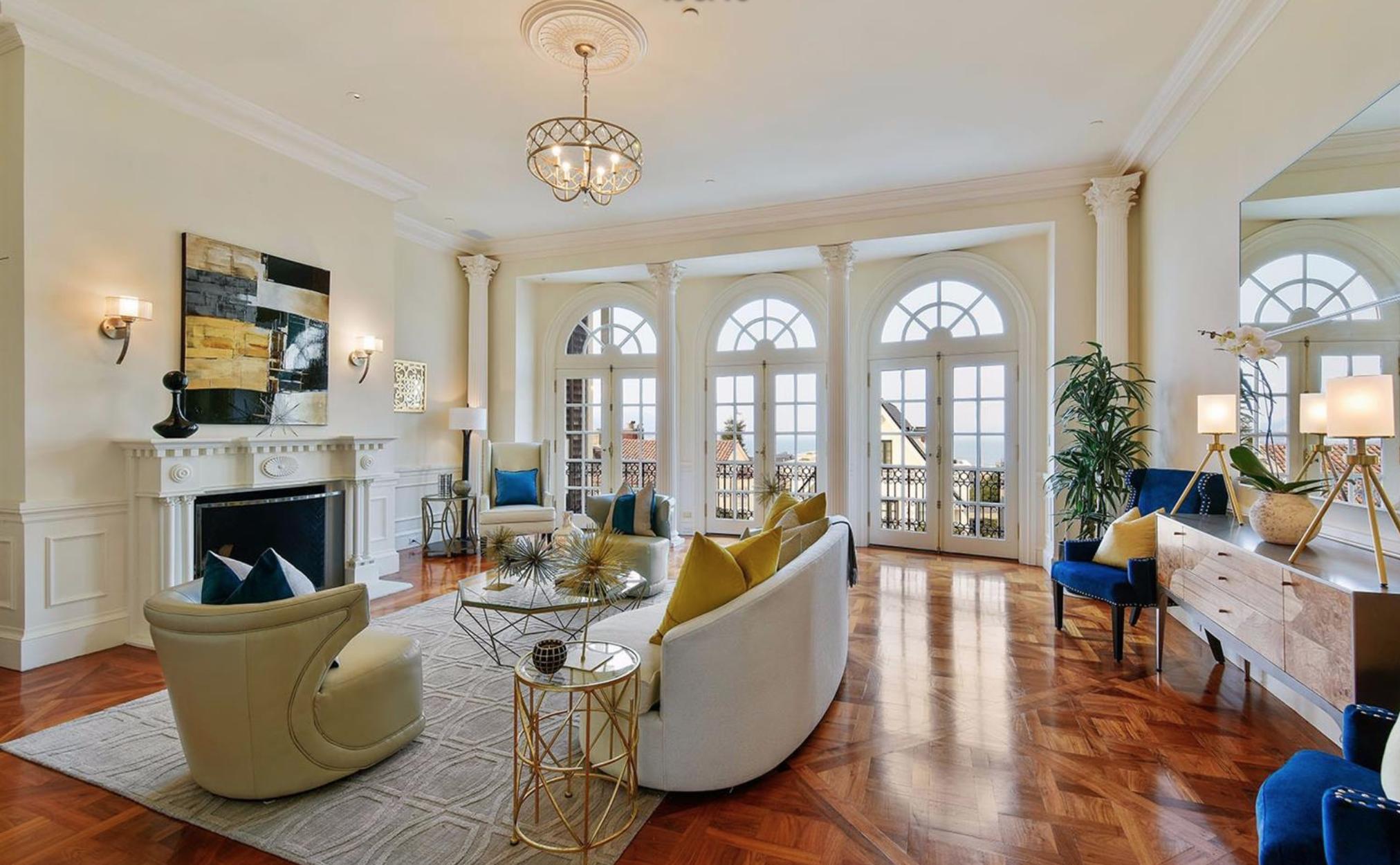 2747 Vallejo Street - Living Room