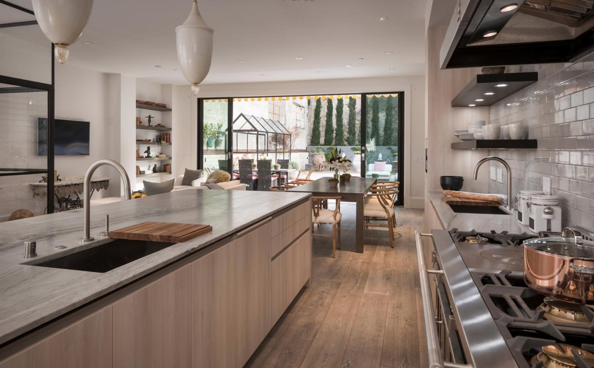 935 North Point Street - Modern Kitchen
