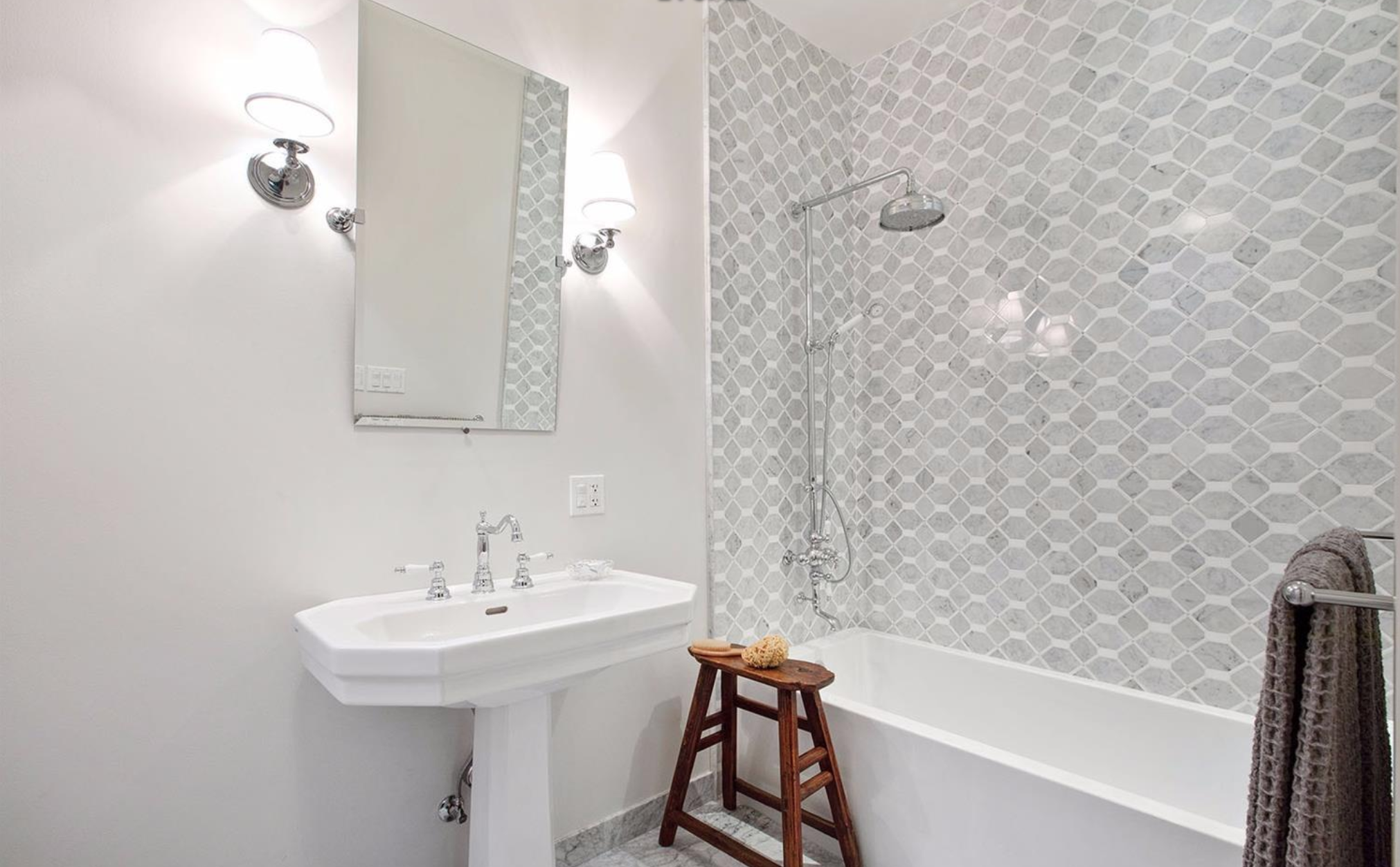 2828 Pierce Street - Bathroom
