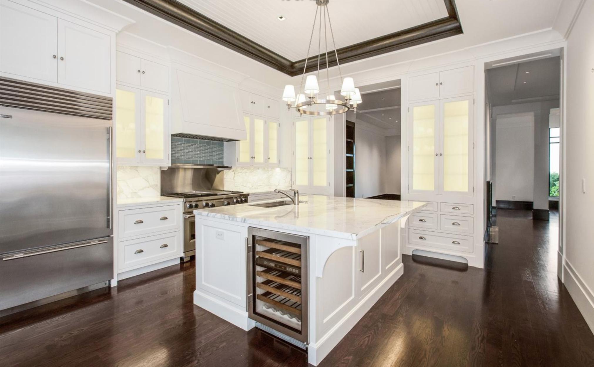 2240 Vallejo Street - Modern Kitchen