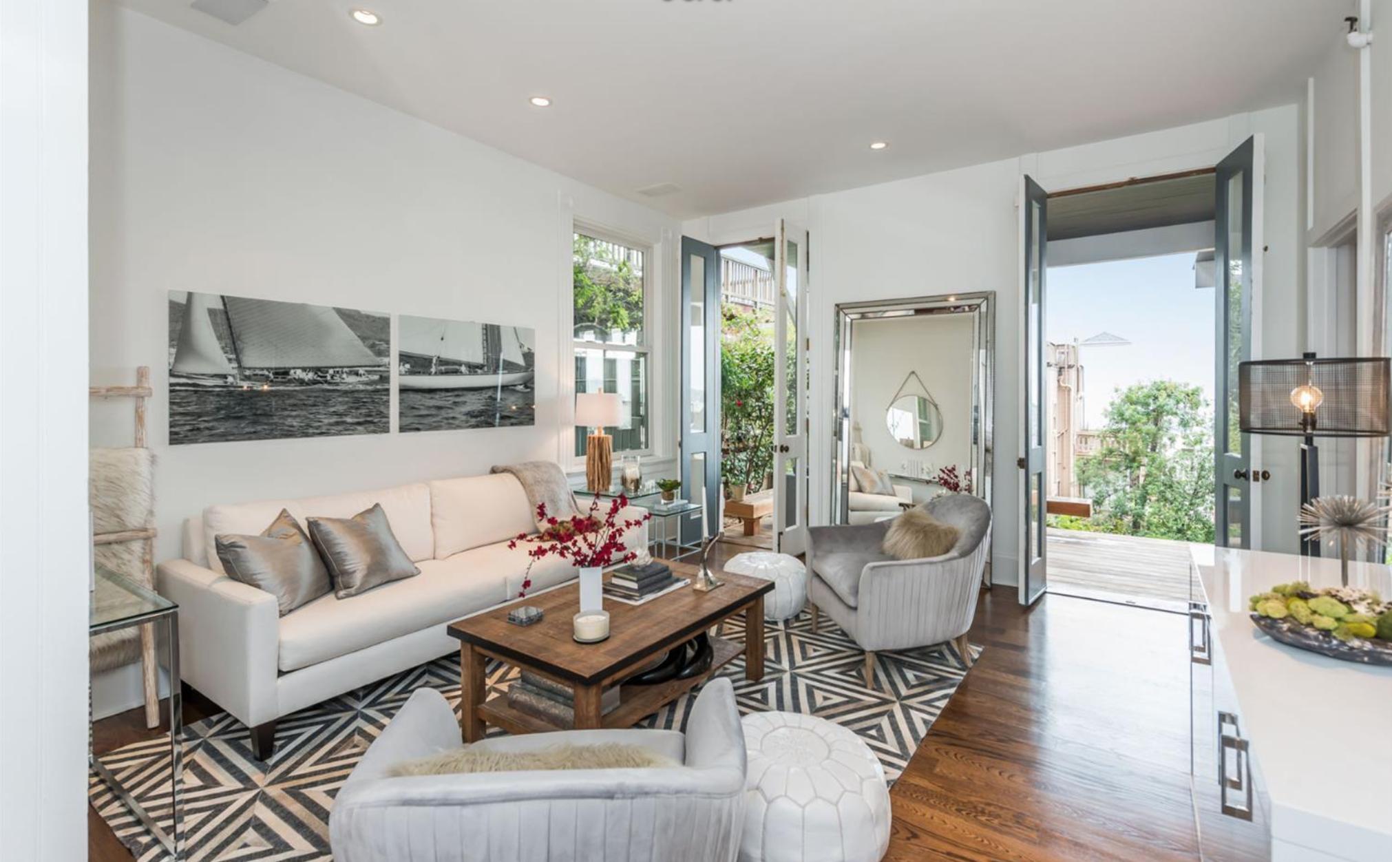 2186 Vallejo Street - Living Room