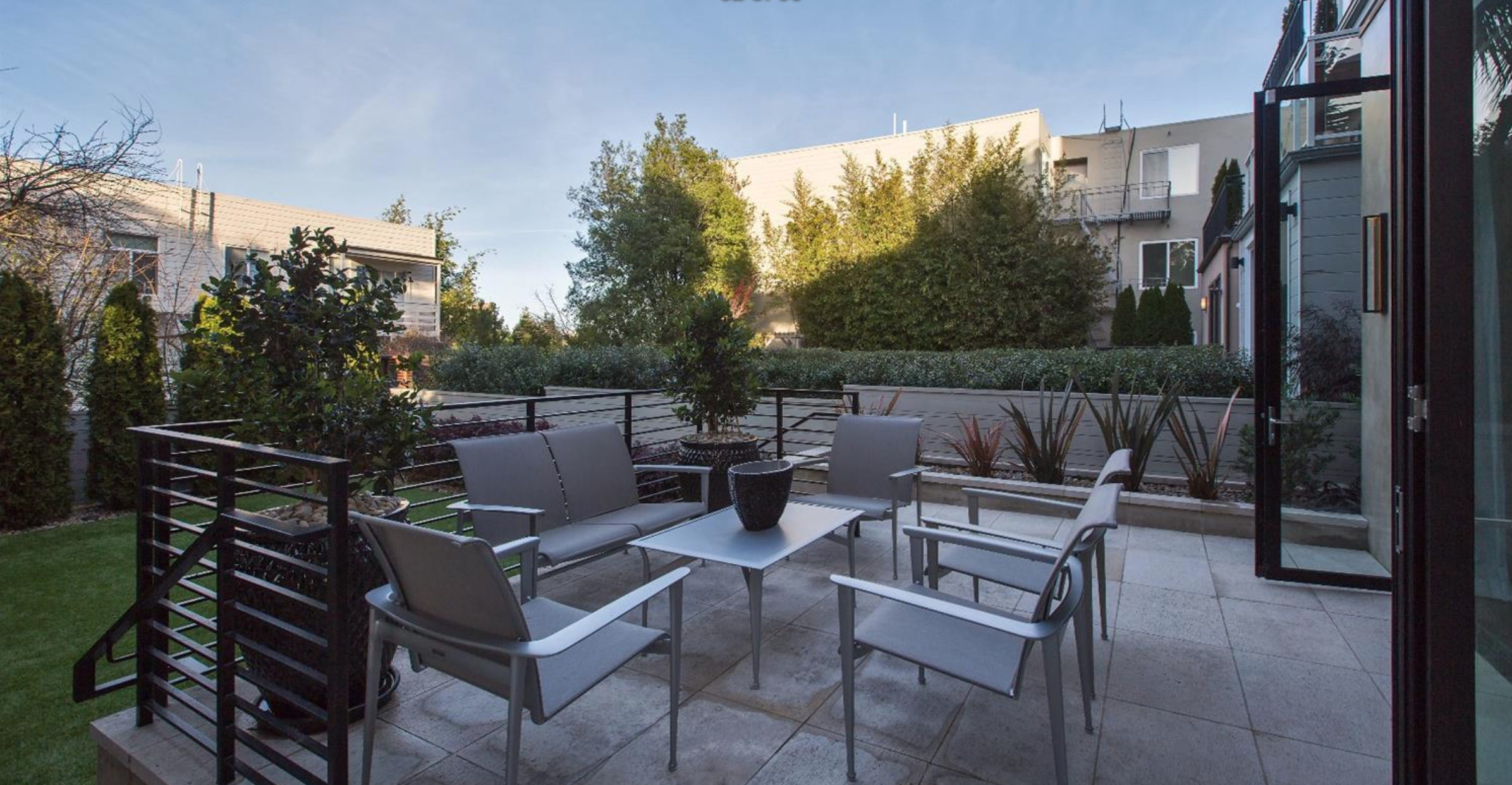 2764 Greenwich Street - Patio