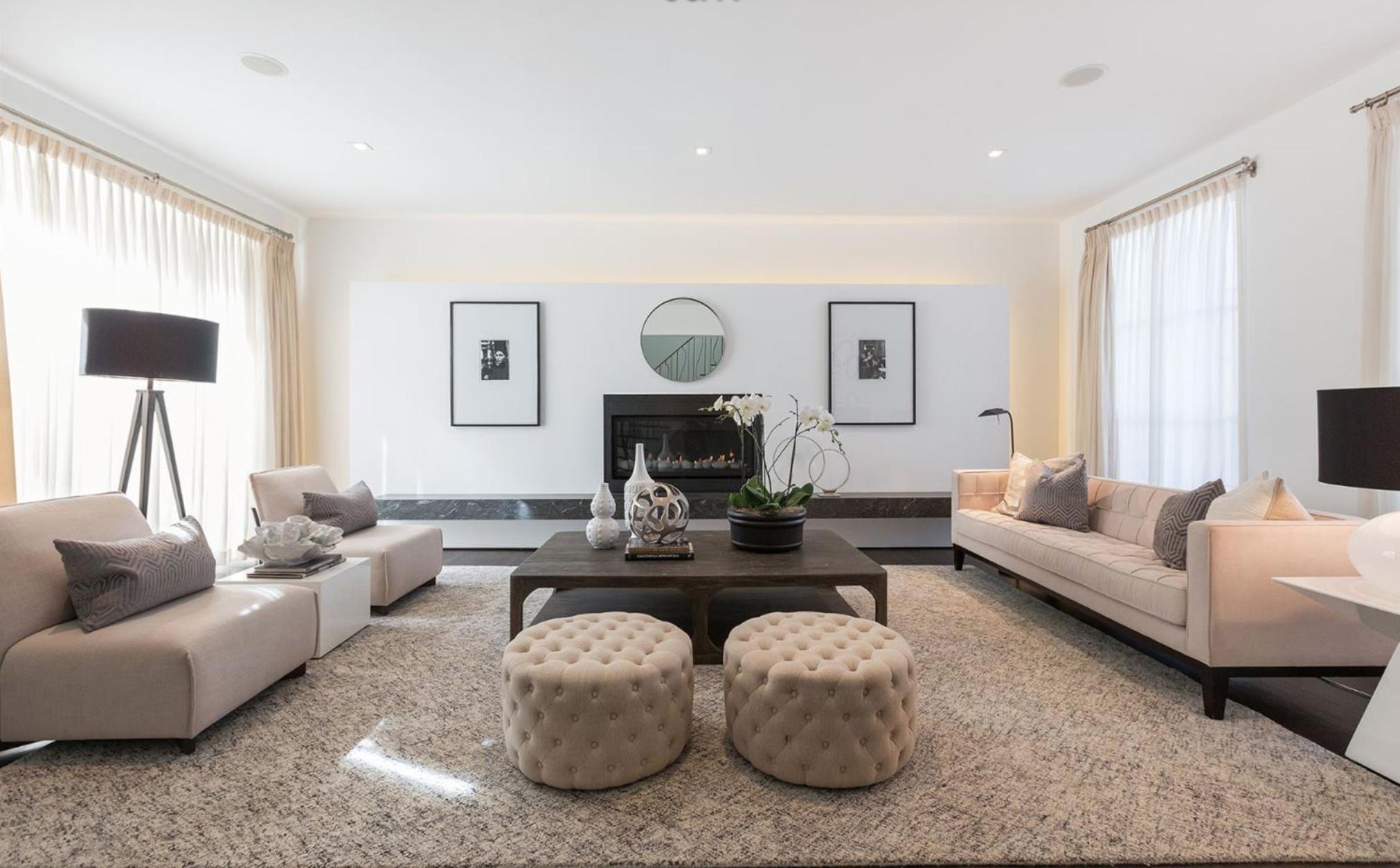 3325 Jackson St - Living Room
