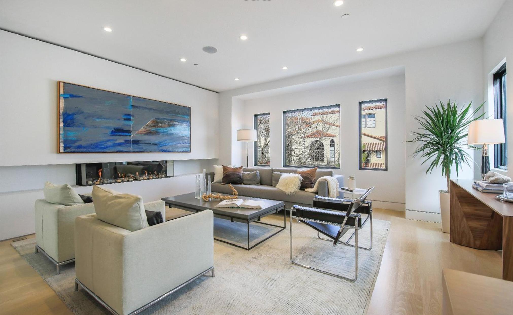 31 Rico Way - Living Room
