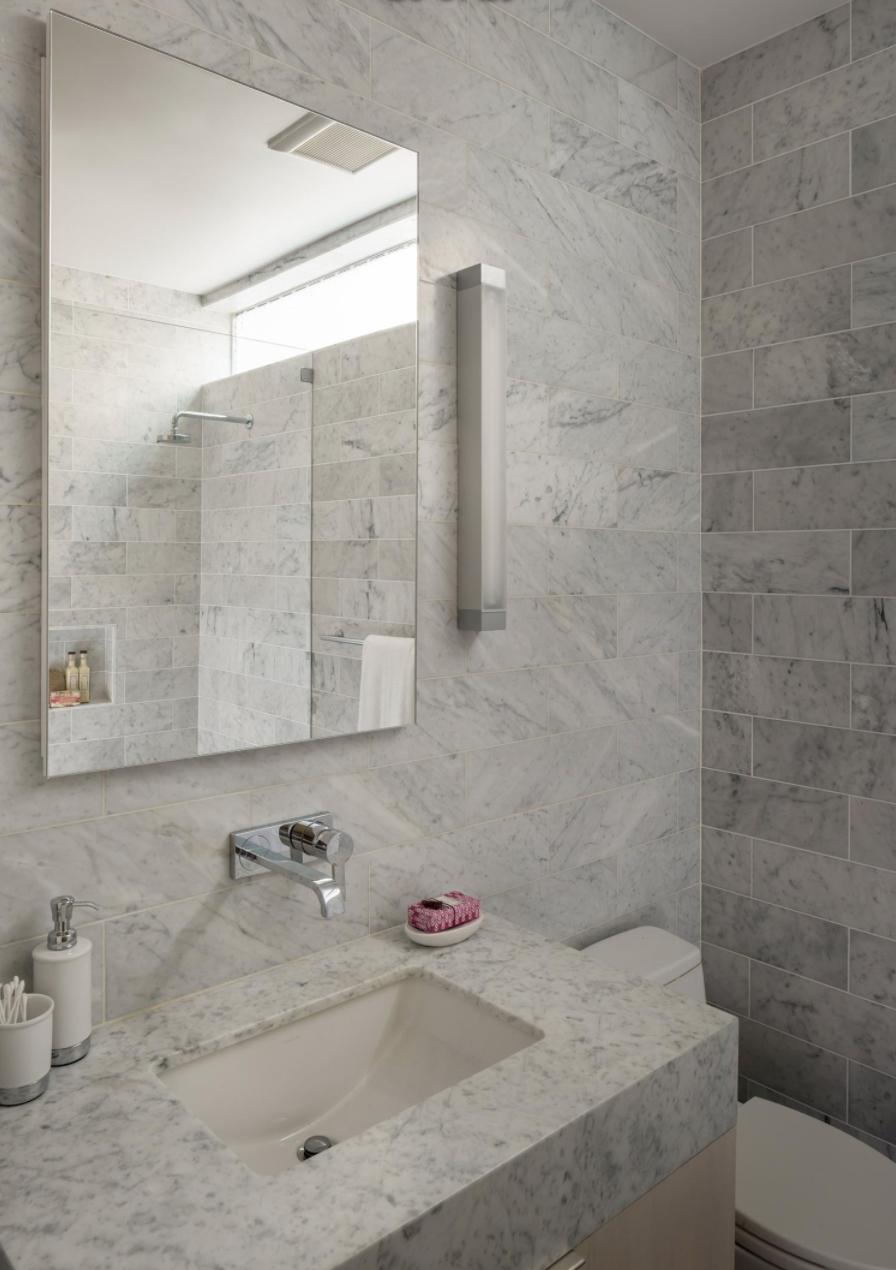 2062 Jackson St - Bathroom