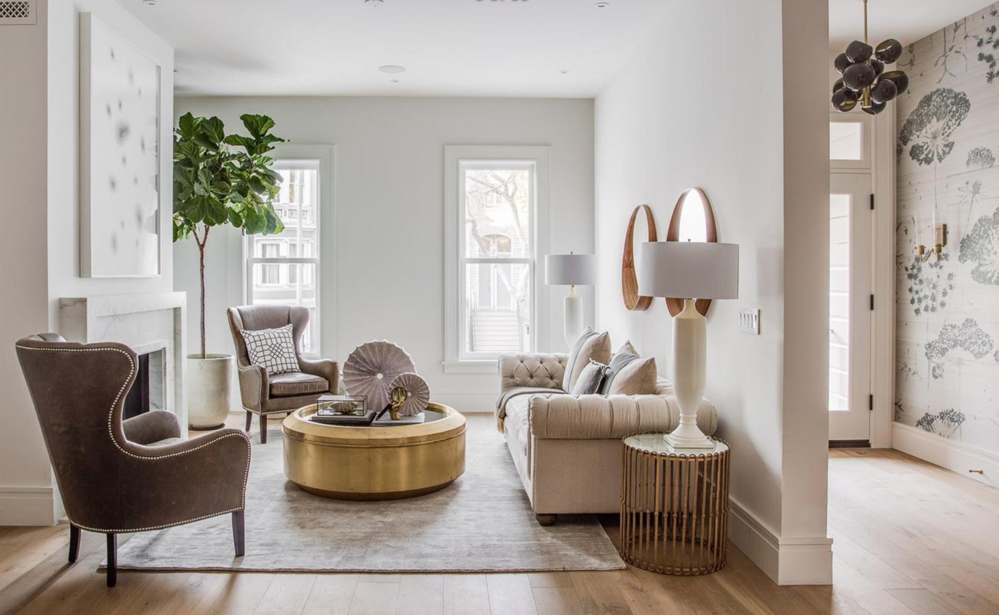 2761 Pine Street - Living Room