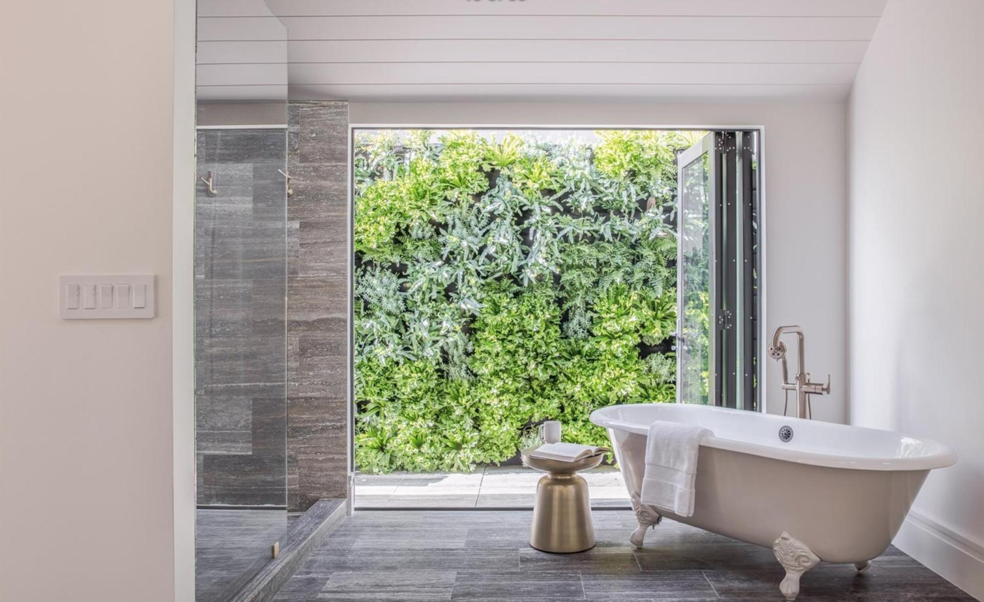 2761 Pine Street - Master Bathroom Shower