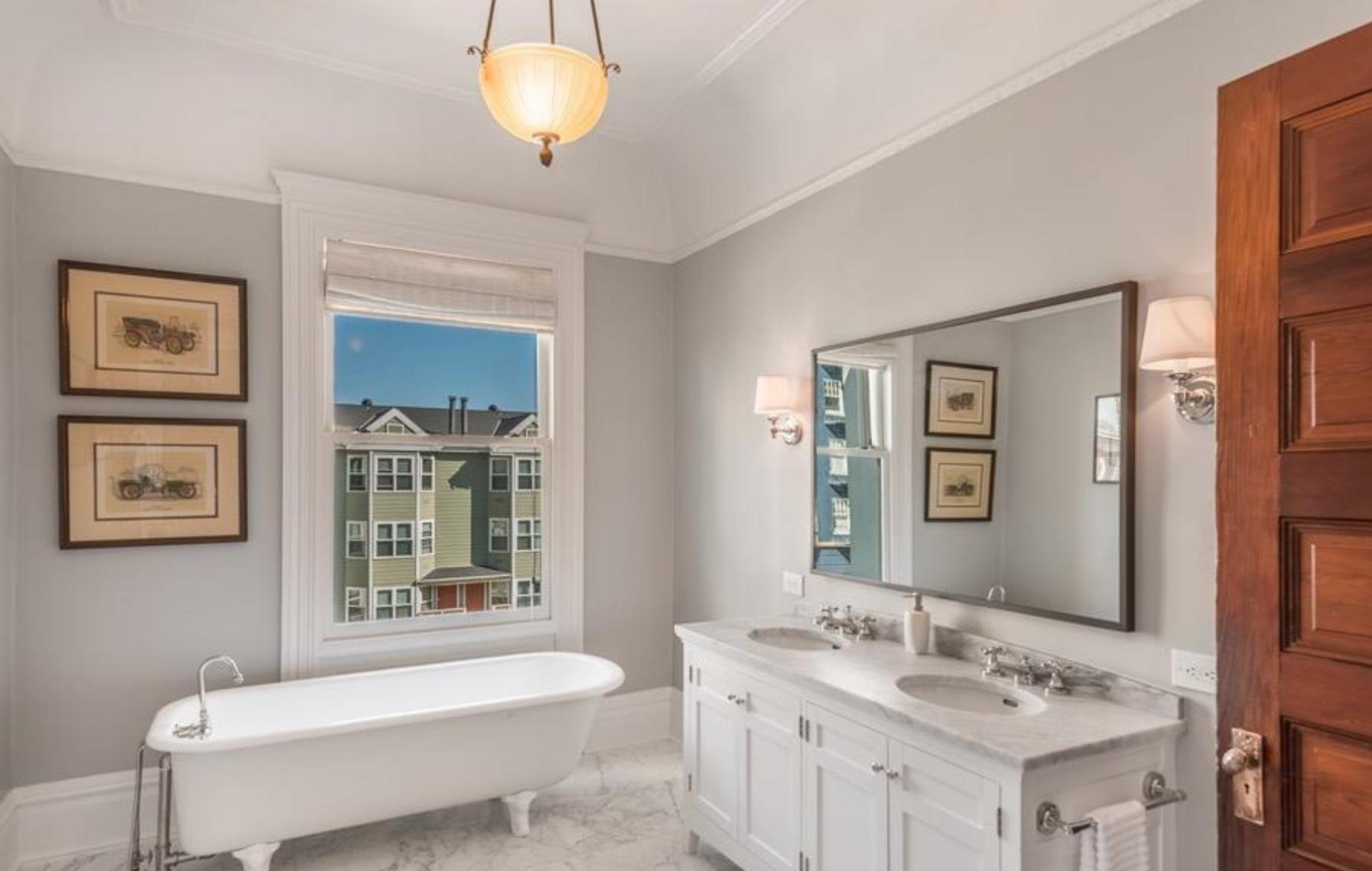 925 Fulton Street - Bathroom