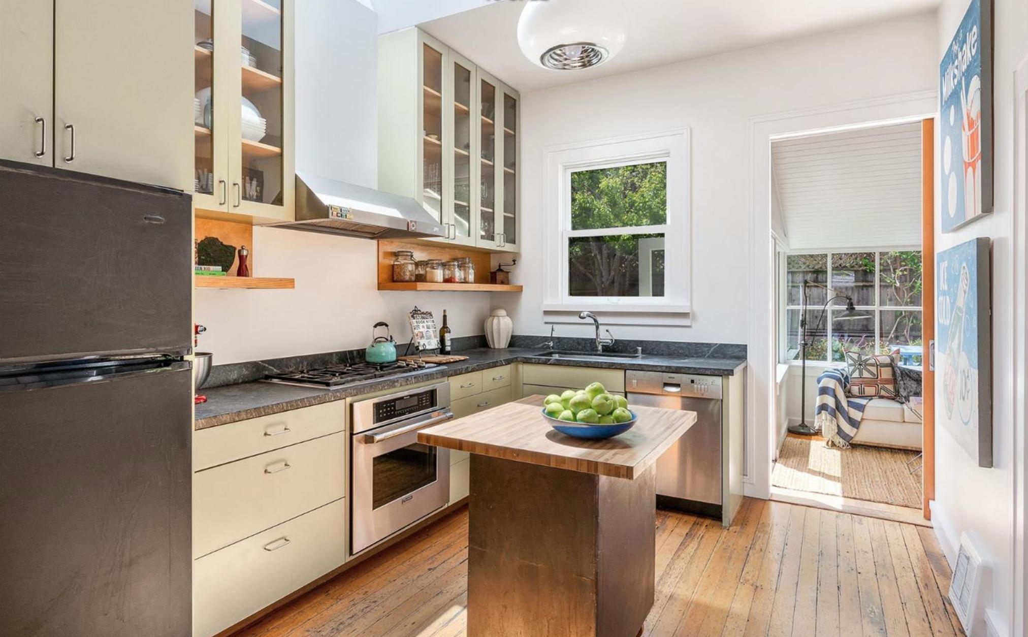 1374 Sanchez Street - Kitchen Area