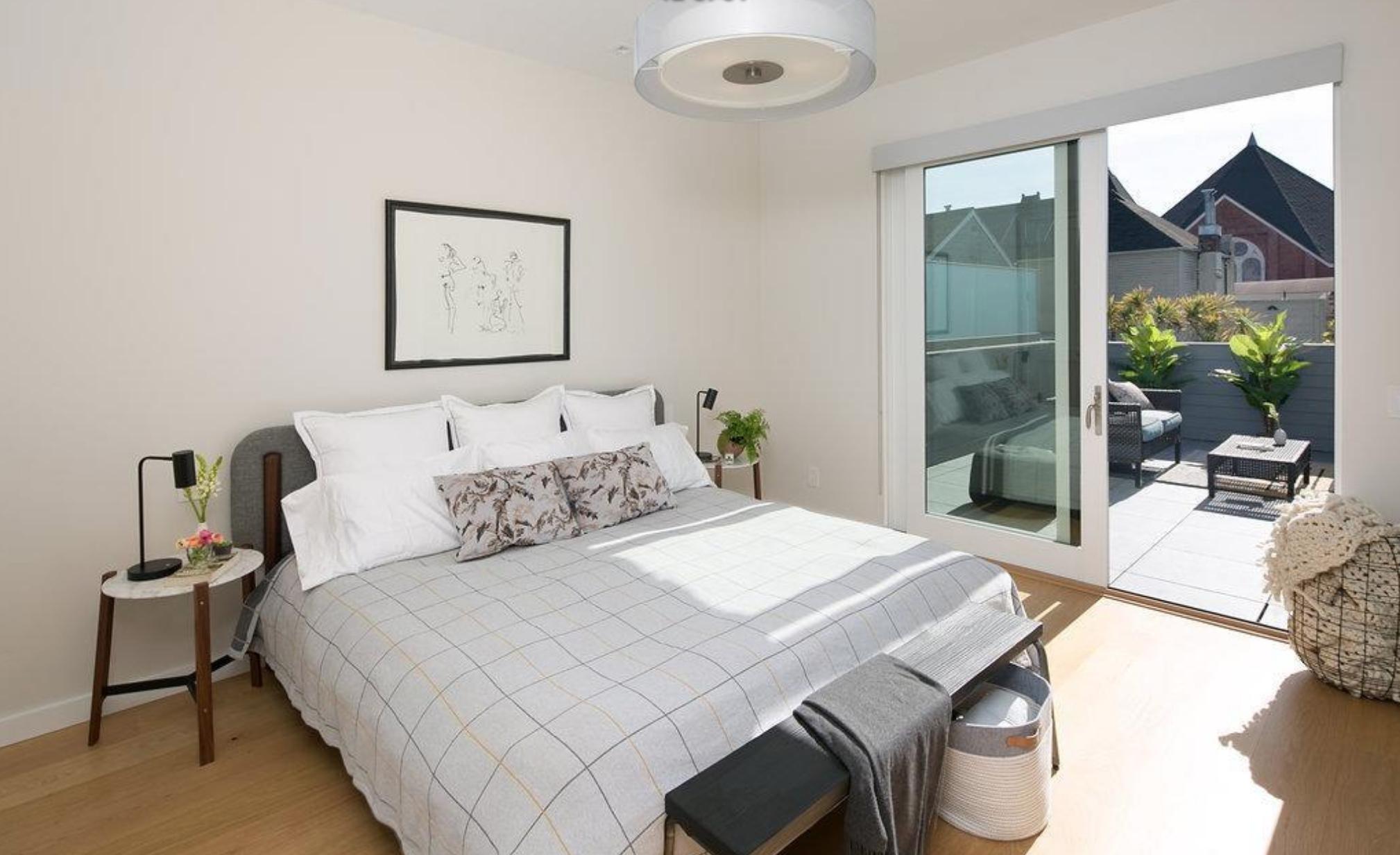 1825 Scott Street - Master Bedroom Suite