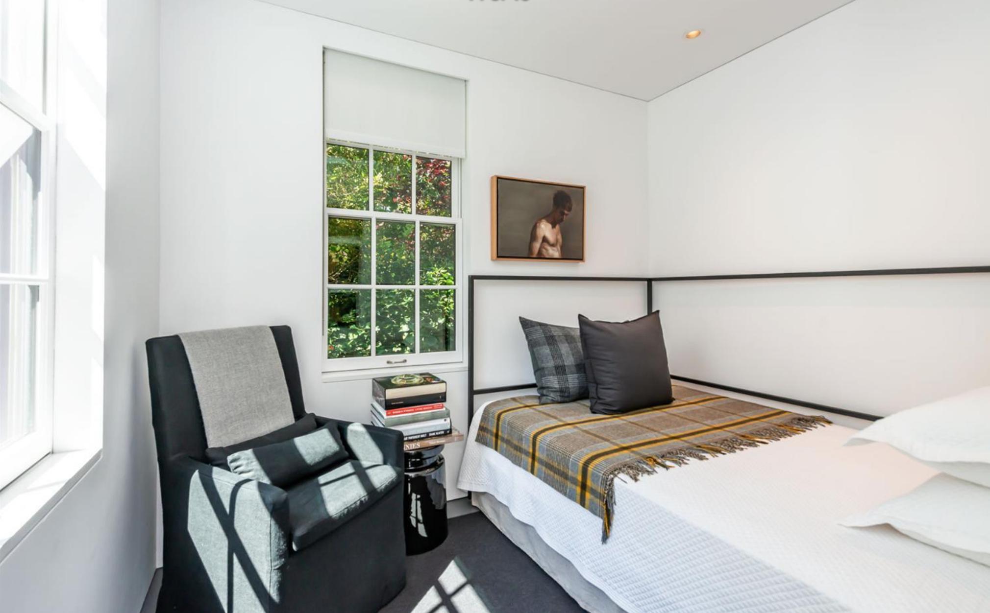 2454 1/2 Bush Street - 2nd Bedroom
