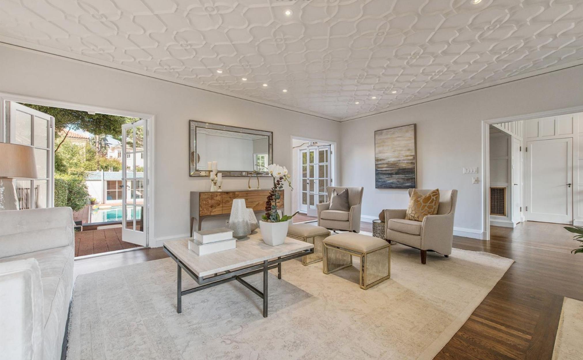 165 28th Avenue - Living Area