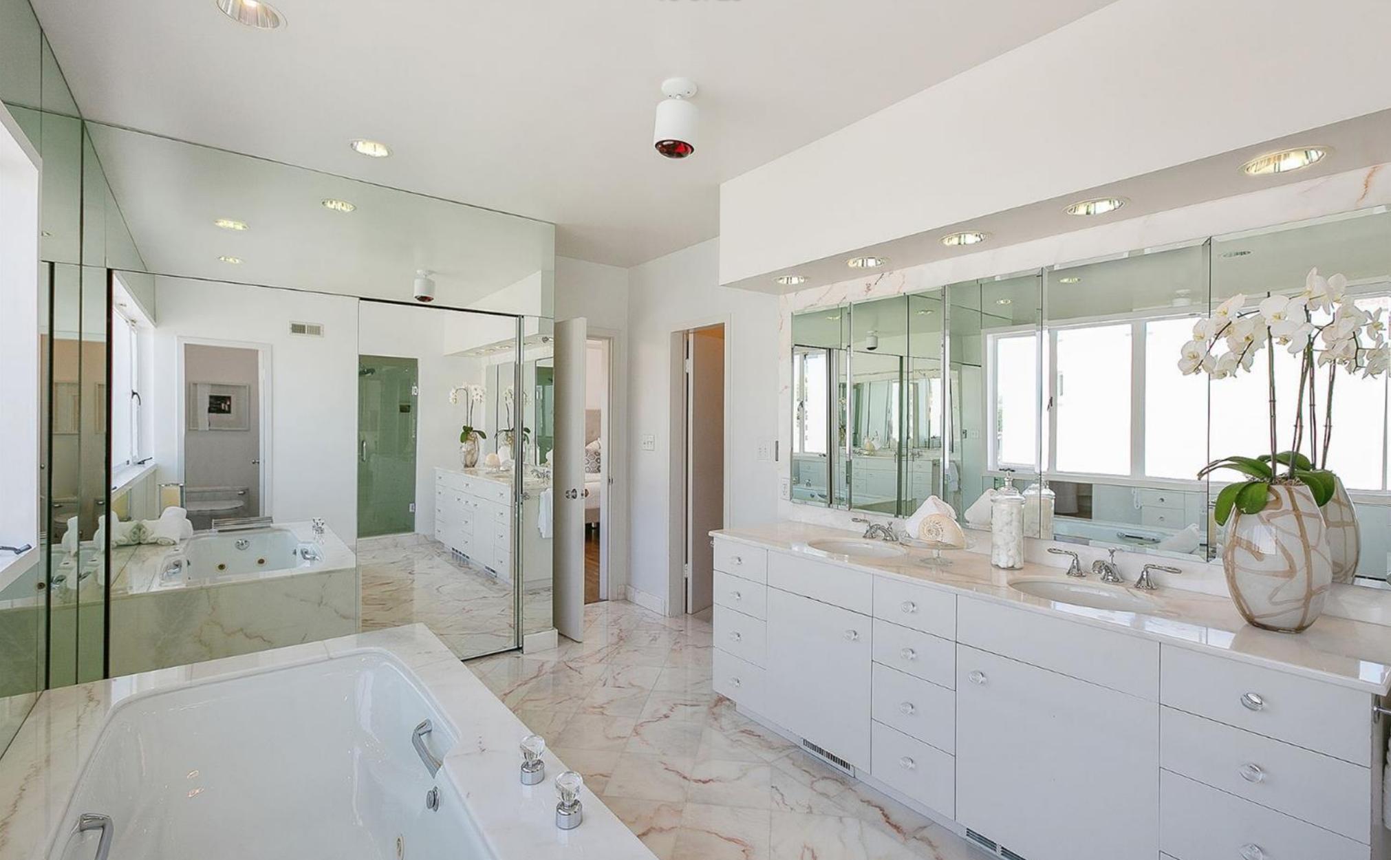 1 Raycliff Terrace - Master Bathroom